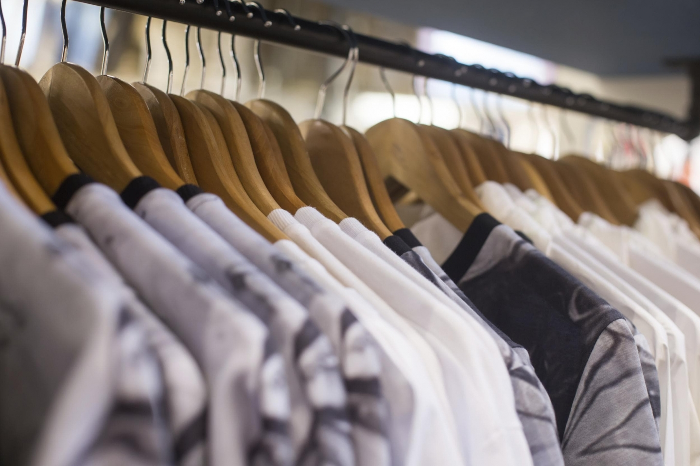 """Think """"All Digital"""" Is The Future Of Retail? Here's What You Probably Don't Know"""