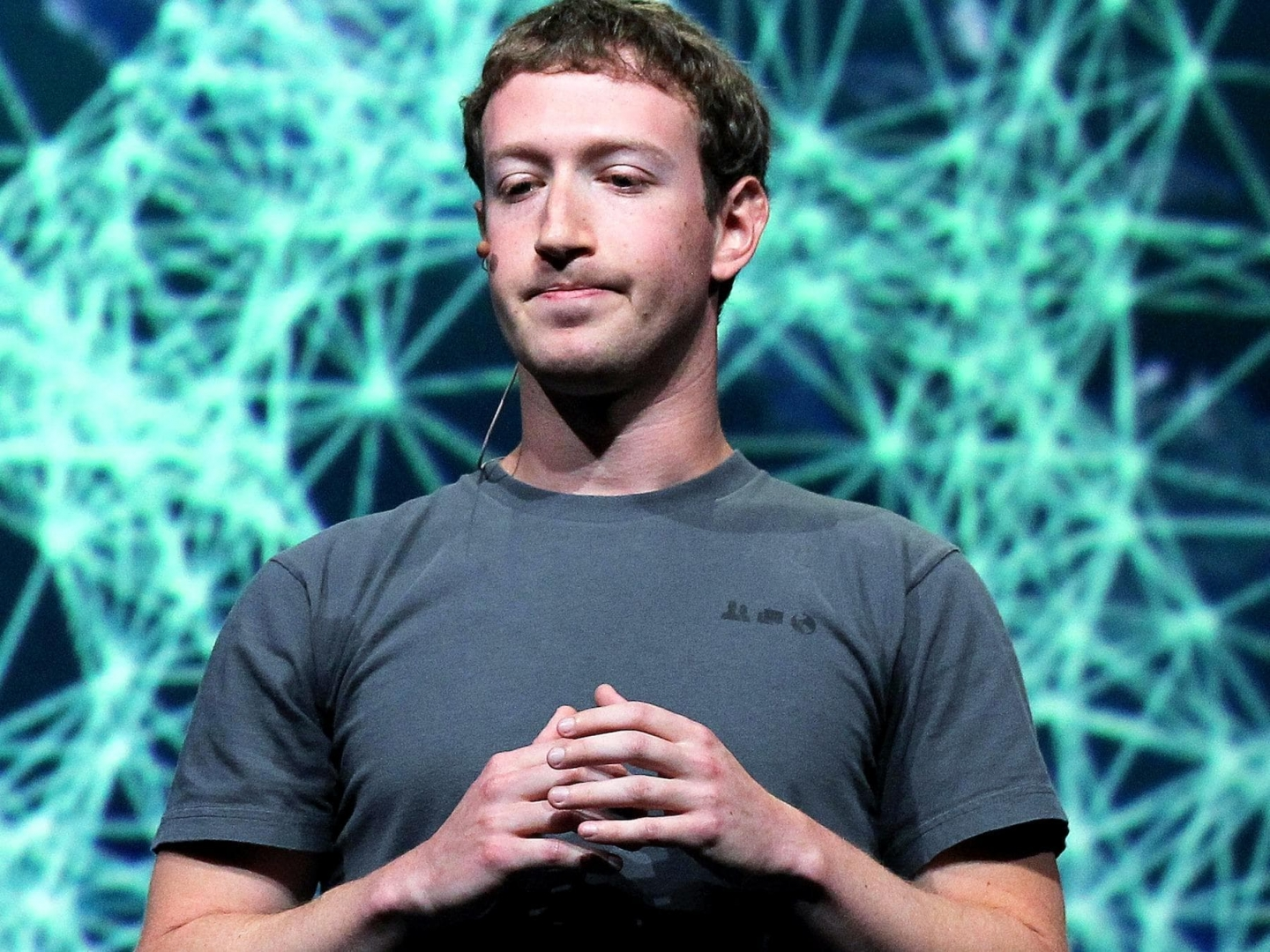 Facebook Is Trying to Make it Even More Tempting for You to Buy Products from the News Feed