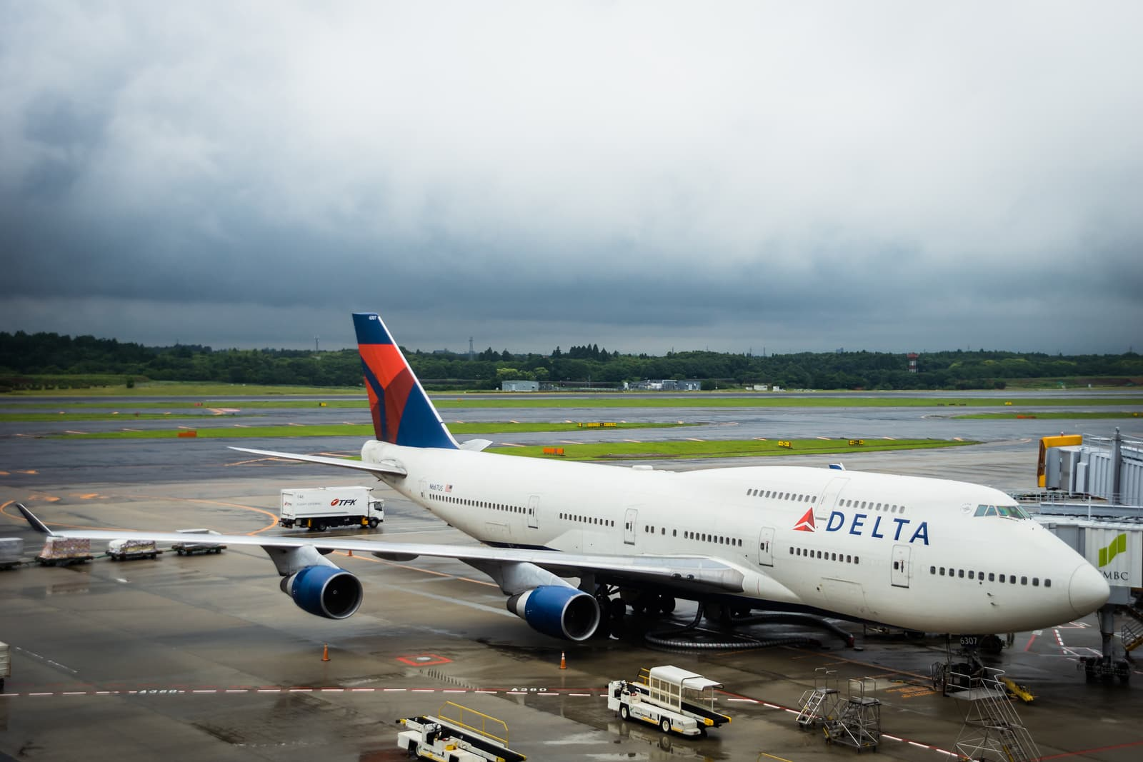How Delta, Halfords and Sephora Put Customer Experience First, Online and Off