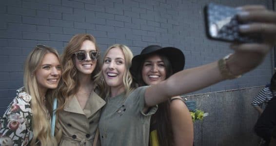 2-dozen-millennials-explain-why-theyre-obsessed-with-snapchat-and-how-they-use-it