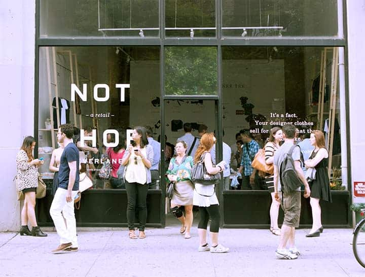 Why Google, Amazon, and Everlane Are Expanding to Storefronts