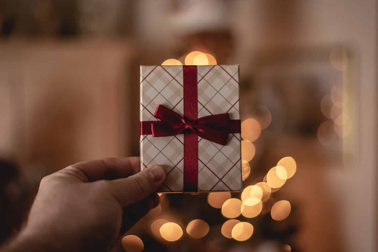 Add Creativity, Flexibility, and Fun to Holiday Fulfillment with e‑Gift Cards